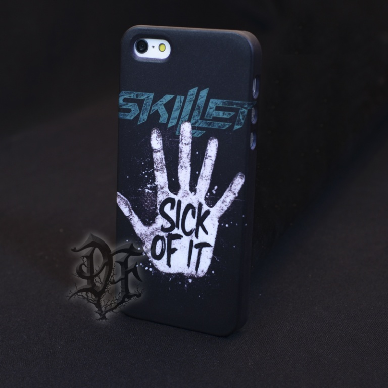 картинка Чехол для  iPhone 5 Skillet Sick of it от магазина Darkforest